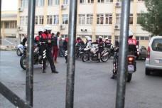 Kız öğrencileri bıçaklayan yakalandı
